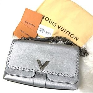 {Louis Vuitton} ❣️Add'l Pictures Silver Chain Bag